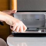 PhoneSoap: polnilec, ki istočasno čisti bakterije z vašega telefona