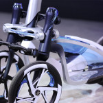 Yamaha Tritown: ta električni skiro s tremi kolesi ti pomaga loviti ravnotežje