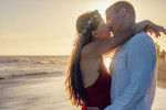 affection-backlit-beach-couple-300957